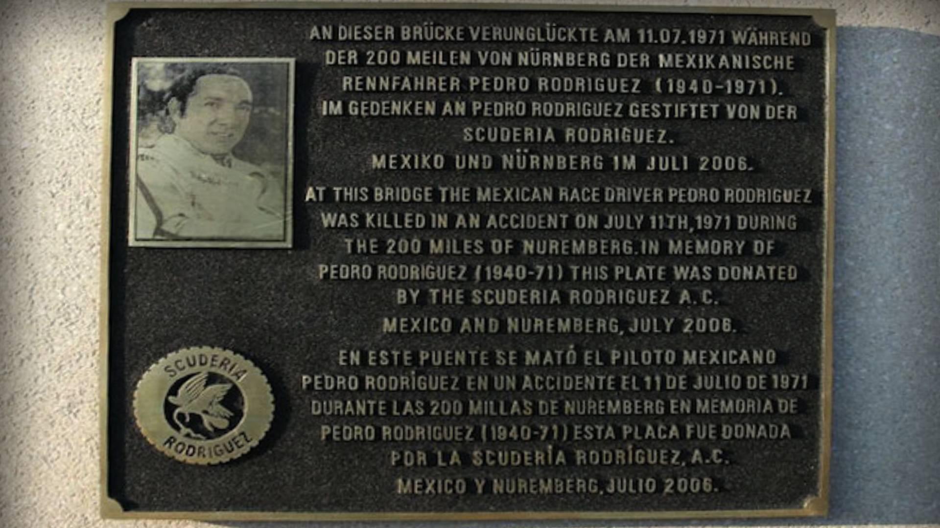 placa-conmemorativa-de-los-30-anos-del-fallecimiento-de-pedro-rodriguez.jpg