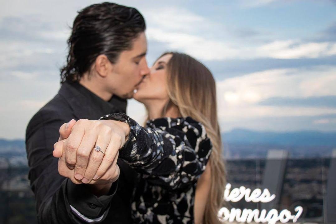 Ella es Alexia Hernández, la prometida de Alejandro Fernández Jr. | Experiencias | Bandamax