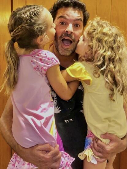 Pablo Montero es uno de los actores y cantantes mexicanos más reconocidos en México. Sin embargo, también es padre de cuatro hijos: dos niñas y dos niños. ¡Conócelos, a continuación!