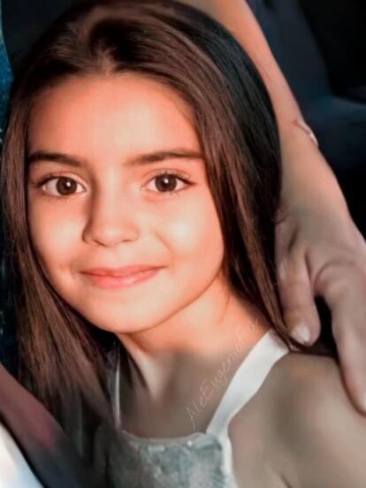 Al igual que sus hermanos mayores, Aitana Derbez es toda una celebridad de redes sociales, gracias a las tiernas publicaciones de sus famosos padres, hecho que quedó claro en las recientes fotografías que compartió Alessandra Rosaldo, donde dejó claro que su primogénita ya no es una niñita.