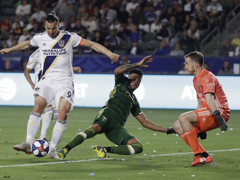 Zlatan Ibrahimovic, Jeff Attinella