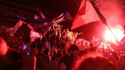 Nada pudo contener la alegria de la afición de Napoli al conseguir un nuevo título del equipo ante Juventus.