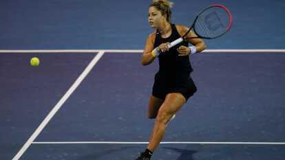El Abierto Mexicano de Tenis celebrado en el puerto de Acapulco nos ha regalado grandes momentos.    Renata Zarazúa venció a Sloane Stephens con parciales de 6-4 y 6-2.