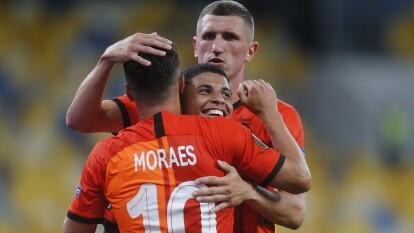 Shakhtar avanza con autoridad a los Cuartos de la Europa League | Wolfsburg salió apaleado de Ucrania 3-0 y se despiden de una forma vergonzosa de la justa continental.