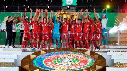 Los bávaros despacharon 4-2 a los de Leverkusen, consiguieron su vigésimo título de Copa y así festejaron su doblete en el futbol alemán.