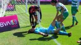 Portera de Santos se desmaya en partido ante Atlas