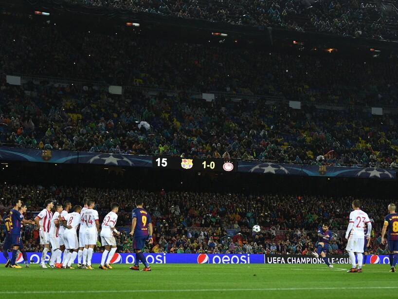 FC Barcelona v Olympiakos Piraeus - UEFA Champions League