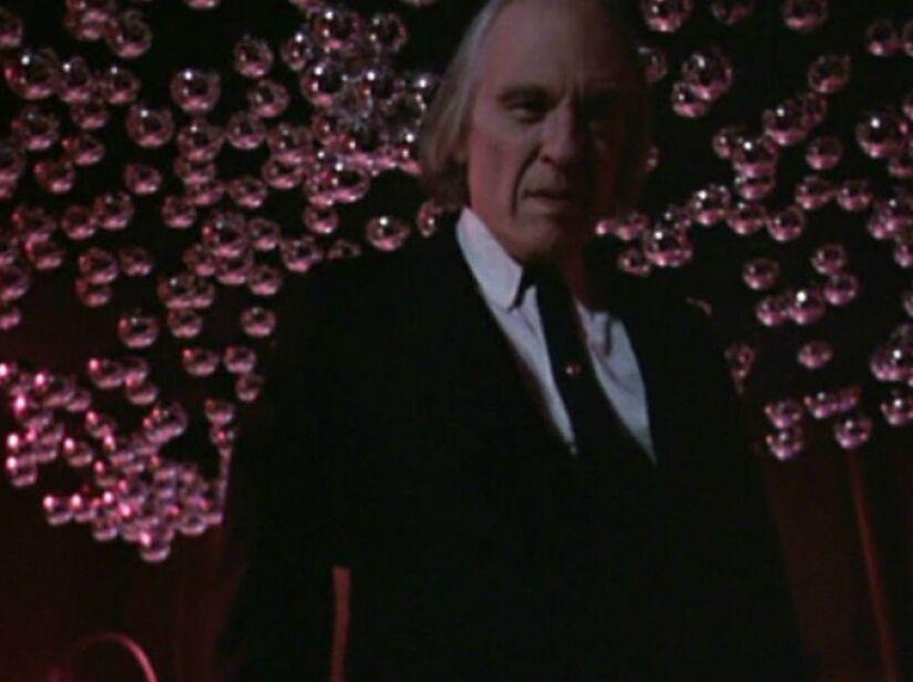 14. Tall Man: En Phantasm (1979), un empresario convierte a los difuntos en un pequeño ejército para sus oscuros fines.