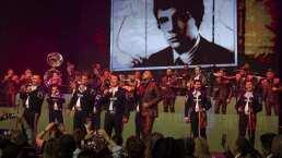 Con 'El Triste' y otros éxitos, El Recodo rinde homenaje a José José