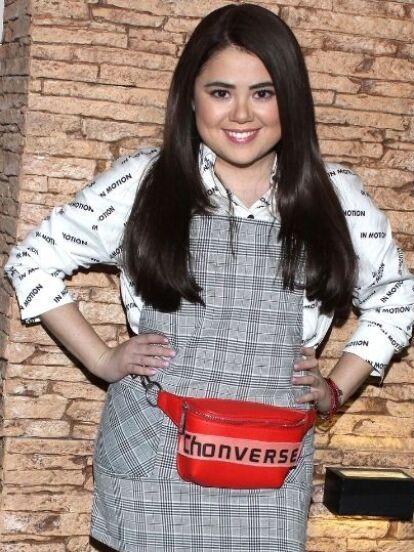 Mariana Botas no solo causa revuelo por su personaje de 'Martina' en Una familia de diez, ahora enloqueció las redes sociales al aparecer en diminutos trajes de baño junto a Jessica Segura, quien en temporadas pasadas dio vida a 'Tecla' en la serie.