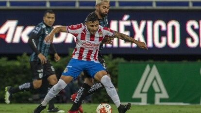 J.J. Macías no consigue anotar un penal al minuto 90+3 y Las Chivas terminan empatando en casa frente al Querétaro.
