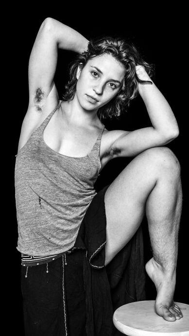 Mujeres que deciden no afeitarse protagonizan serie de fotos para proyecto 'Belleza Natural'