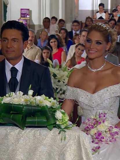 Porque el amor manda: La última vez que se le vio a Fernando Colunga vestido de novio en una telenovela de Televisa fue en esta producción de Juan Osorio en la que tuvo como pareja protagónica a Blanca Soto.