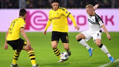 Con goles de Jadon Sancho al 47, Axel Witsel al 84 y marco reus al 90+2, el Borussia remonta una desventaja de 0-3 y rescata un punto.