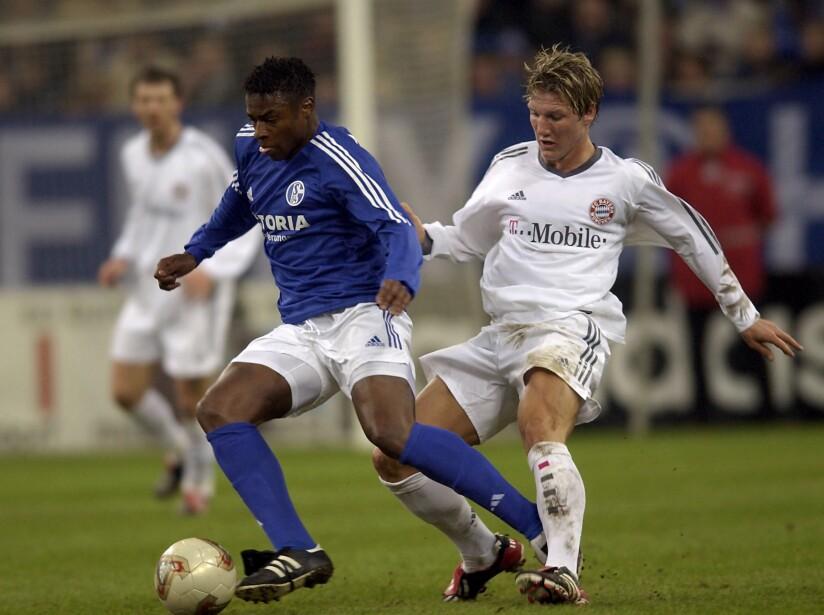 Emile Mpenza and Bastian Schweinsteiger