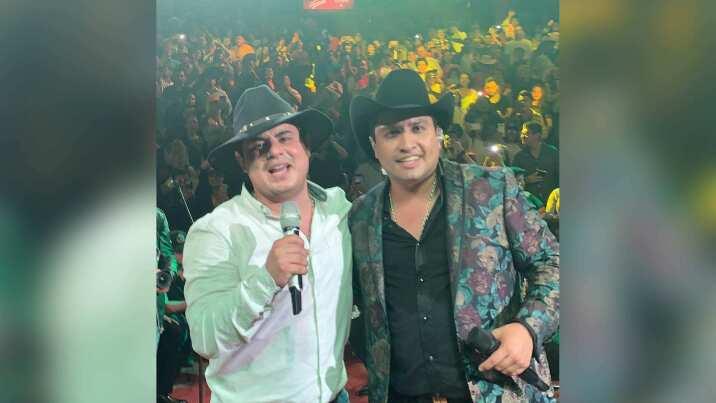 Julión Álvarez y Alfredo Olivas deleitan juntos al Palenque Texcoco