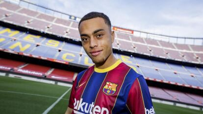 Llega Sergiño Dest al Barça