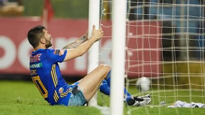 El francés acompañó a Tigres en la derrota 2-1 ante Alianza de El Salvador. | Fue amarga la primera vez que el goleador viajó a Centroamérica para disputar un partido de la CCL.
