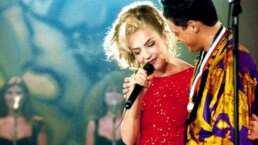 Revive la vez en la que Luis Miguel le plantó semejante besote a Thalía en pleno escenario