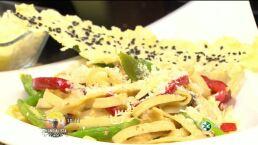 El chef Omar Sandoval cocina ´Fetuccini con espárragos´