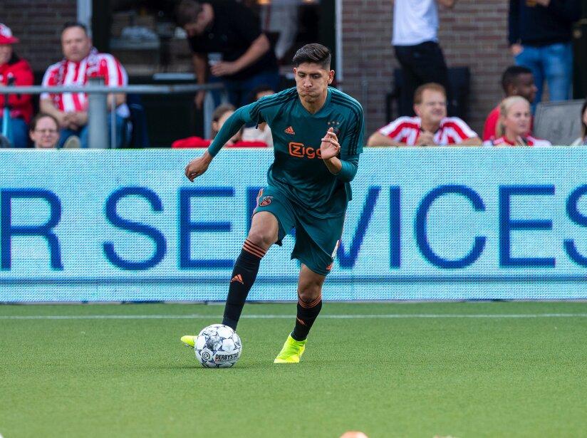 Ajax Rotterdam warming.jpg