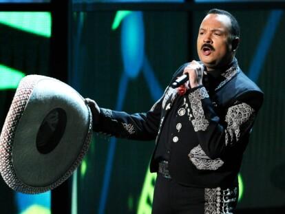 Pepe Aguilar anuncia gira con Christian Nodal y mucho folclore | Noticias | Bandamax