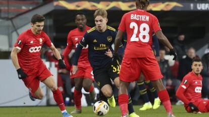 Arsenal logra remontar y empatar marcador 2-2 ante Lieja y amarra su pase a octavos de final de Europa League. Bukayo Saka, con gol y asistencia, es la estrella del partido.