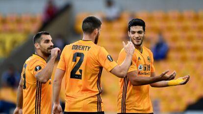 Con solitario gol de Raúl Alonos Jiménez, el Wolverhampton gana y se mete a los cuartos de final de la Europa League.