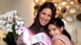 Aitana Derbez sorprende a su mamá con flores por su cumpleaños número 49