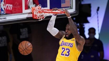 LeBron y los LA Lakers toman la ventaja en la Final de Conferencia.