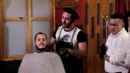 'El Potro' se convierte en barbero
