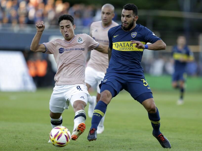 Gimnasia y Esgrima La Plata v Boca Juniors - Superliga 2018/19