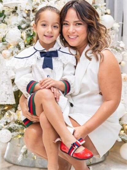 Adamari López no solo muestra en redes sociales a su hija Alaïa, a Toni Costa y la gran vida que llevan en Miami; hace unos días, causó revuelo al compartir con sus 5.2 millones de seguidores parte de la tremenda fiesta de XV años de su sobrina.