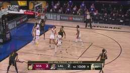¡Qué intensidad! Dwight Howard baja el balón y tiembla el aro