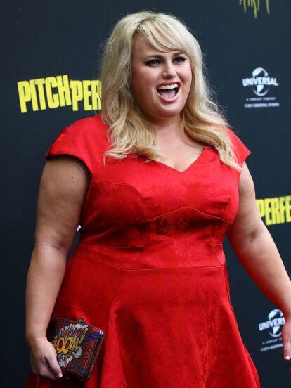 Rebel Wilson es una de las australianas más talentosas de la industria cinematográfica, en la que alcanzó la fama mundial por su papel de 'Fat Amy' en la película 'Pitch Perfect'. Sin embargo, la actriz tomó la decisión de transformar su imagen y deshacerse de los kilos de más, hecho que comenzó a finales de 2019.