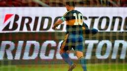 Carlos Tévez dedica gol a Maradona con playera de 1981