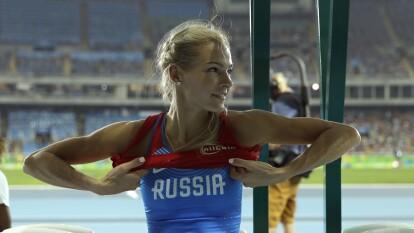 Darya Klishina es una atleta rusa que participa en salto de longitud. Tiene 29 años y entrena a diario muy fuerte.
