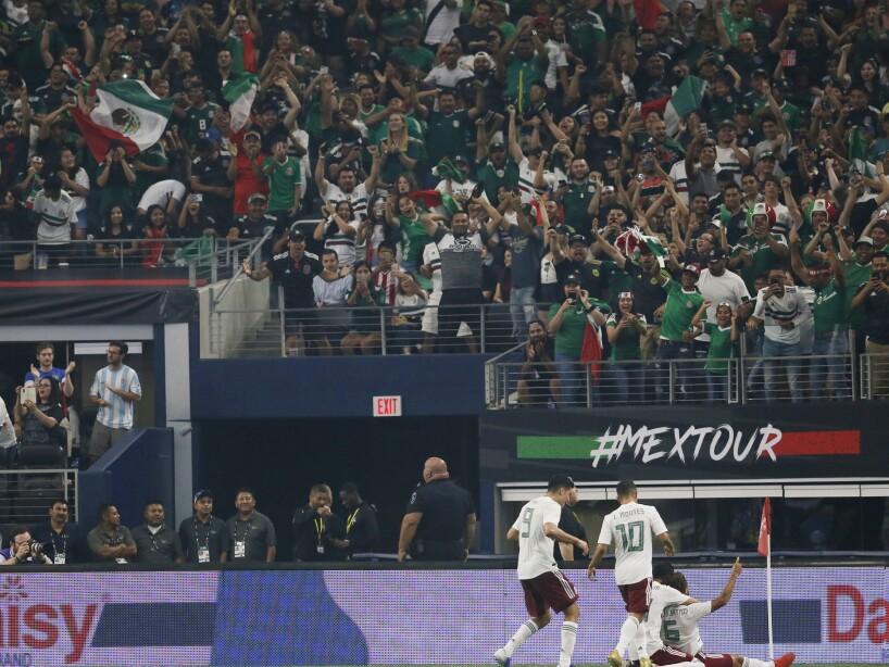 Ecuador Mexico Soccer