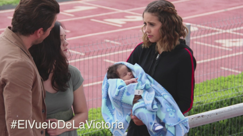 Revive: Elena vuelve a ver a su bebé