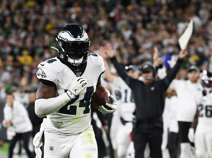 Se acabó la buena racha de los Gren Bay Packers, Philadelphia Eagles ganan 34-27 en un juego accidentado y marcado por las lesiones.