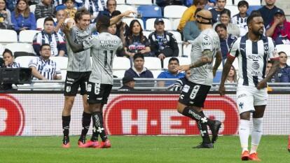 Con goles de Mracel Ruiz y Ariel Nahuelpan, Querétaro le roba los tres puntos a Monterrey en el gigante de acero.