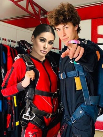 Hace uso días, Juanpa Zurita retó a Galilea Montijo en el programa 'Hoy': Si ella se atrevía a aventarse del paracaídas, Juanpa sería uno de los jueces de Pequeños Gigantes 2020.<br />