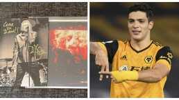 ¡Detallazo! Raúl Jiménez recibe disco autografiado de Robert Plant