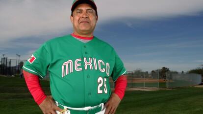 Paquín Estrada se va como uno grande de las ligas Mexicanas de beisbol, pues jugó 30 años como receptor en la Liga Mexicana de Beisbol y Liga Mexicana del Pacífico.