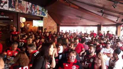 Así viven aficionados en Río de Janeiro la final del Mundial de Clubes entre el Flamengo y Liverpool.