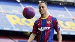 Sergiño Dest firma por cinco años con el Barcelona