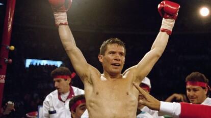 El mejor boxeador mexicano en los últimos 40 años fue inducido en 2011. Es el pugilista nacional que más pasiones levantó.