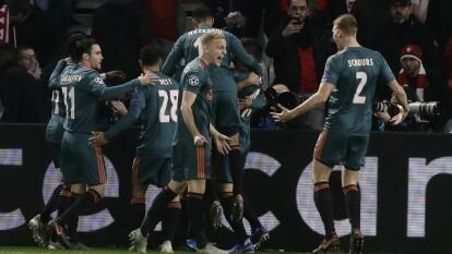 Con goles de Hakim Ziyech y Quincy Promes, el Ajax se impone 0-2 al Lille. El mexicano Edson Álvarez entró de cambio al medio tiempo por Noussair Mazraoui.