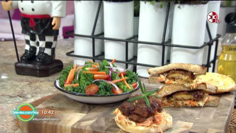 El Chef Oropeza prepara un sándwich de Pollo Frito ¡Práctico y delicioso!