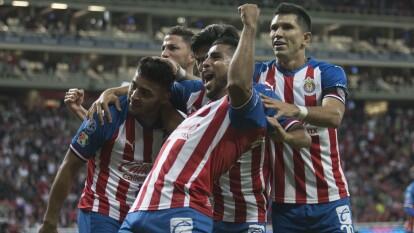 Alexis Vega (34') y JJ Macías (36') anotaron para el Rebaño Sagrado en el primer triunfo del Clausura 2020 sobre los Bravos de Juárez.
